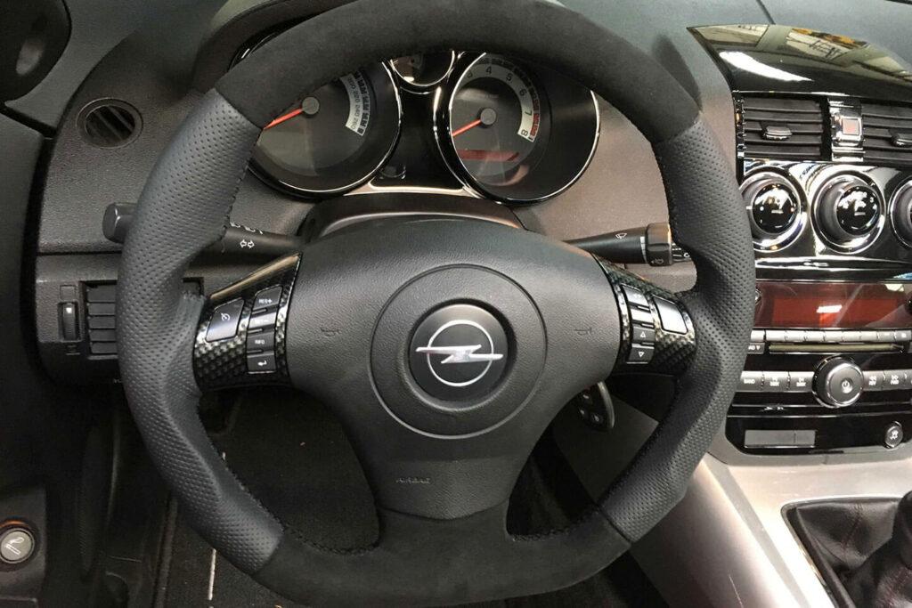 Kreis Tuning - Sportlenkrad in Leder in der Farbe Schwarz Opel